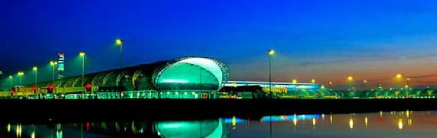 Les tours d'éclairage Inmesol, en place à l'aéroport de Bangkok