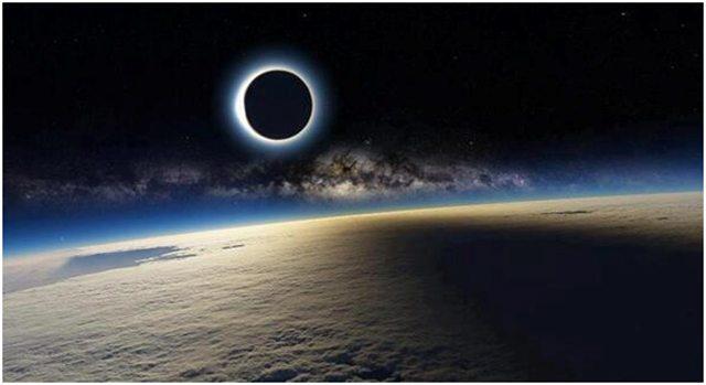 Éclipse solaire vue depuis la Station spatiale internationale