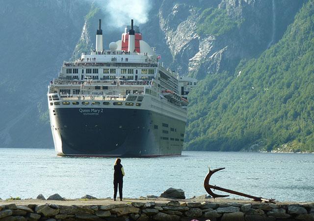 Bateaux qui accostent aux ports