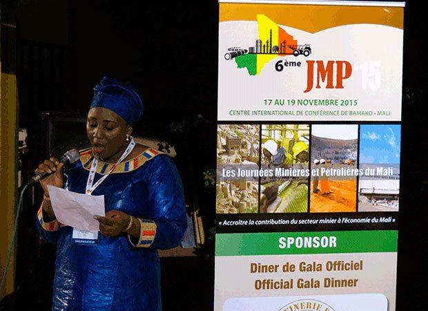 Intervenants et participants lors de sa prise de parole pour la sixième édition des JMP