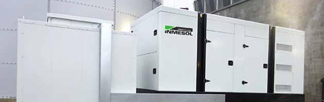 Groupe électrogène INMESOL IV‐700 installé à l'extérieur du cantre logistique de réfrigération de produit laitier à BASSE-SAXE, ALLEMAGNE