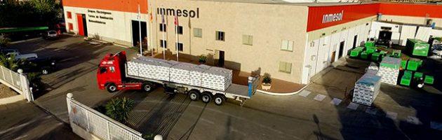 Camion chargé de 6 générateurs modèle IIRN-165 à destination de la France